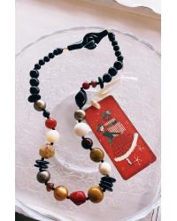 Collana Gioie sparse toni marroni-nero-panna e rosso